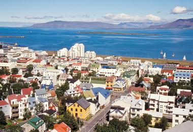 Flights from Boston to Reykjavik